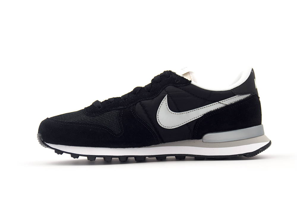 NIKE NIKE INTERNATIONALIST