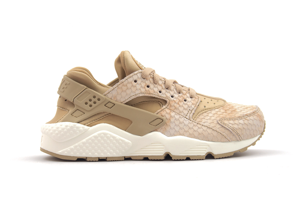 baskets nike wmns air huarache run prm 683818 201