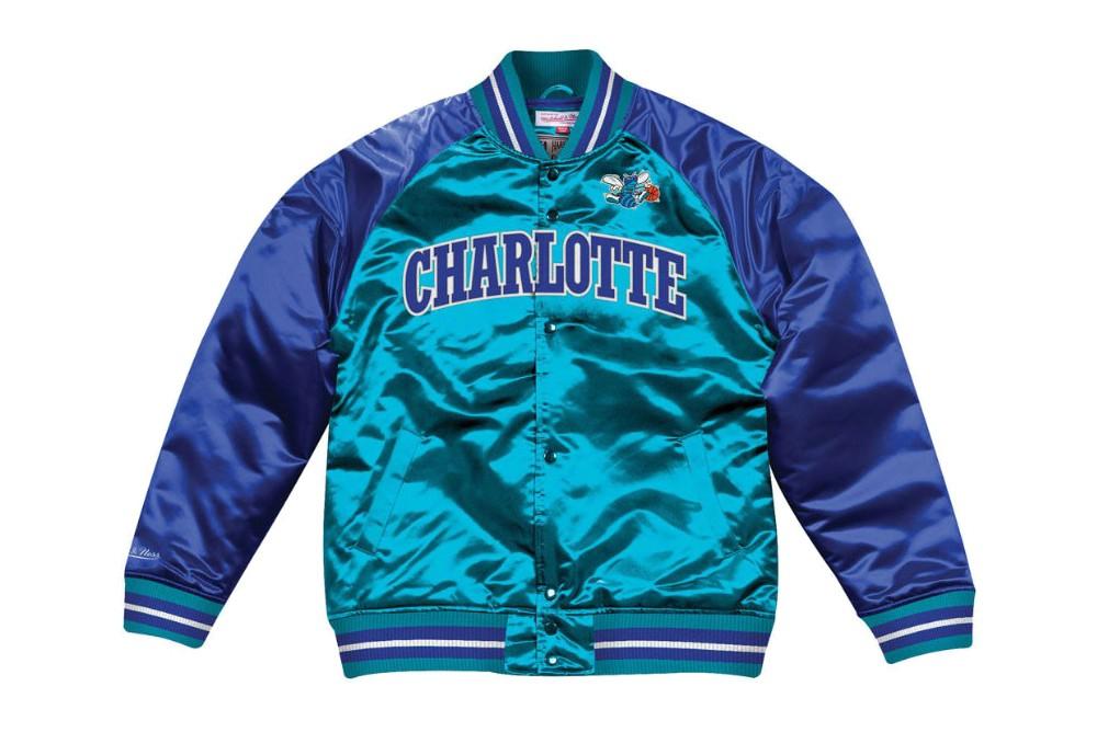 Jacket Mitchell & Ness tough season satin jacket charlotter hornets Brutalzapas