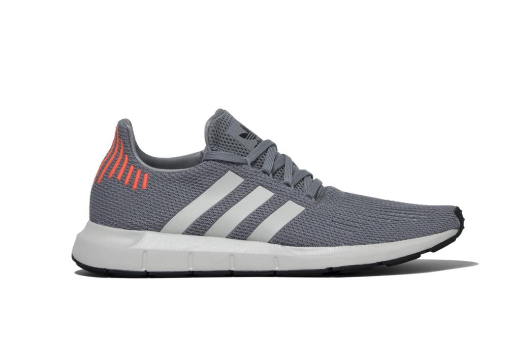 Sneakers Adidas Swift Run b37728 Brutalzapas