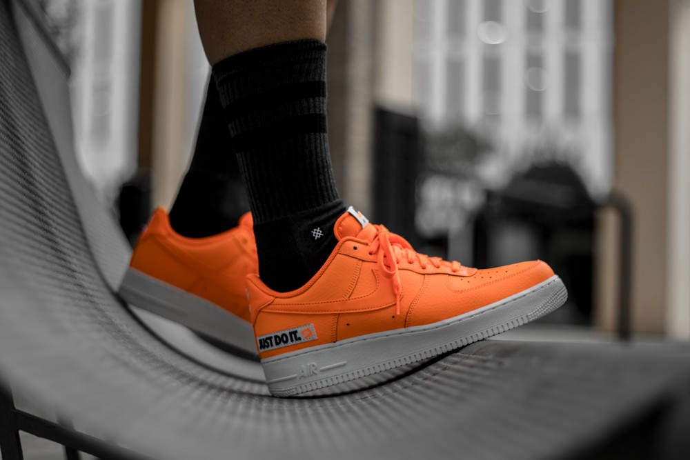 NIKE AIR FORCE 1 07 LV8 JDI LTHR