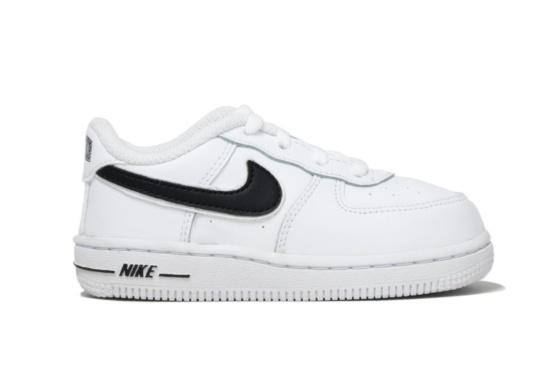 sports shoes b83b9 a7cdb SNEAKERS ON LINE