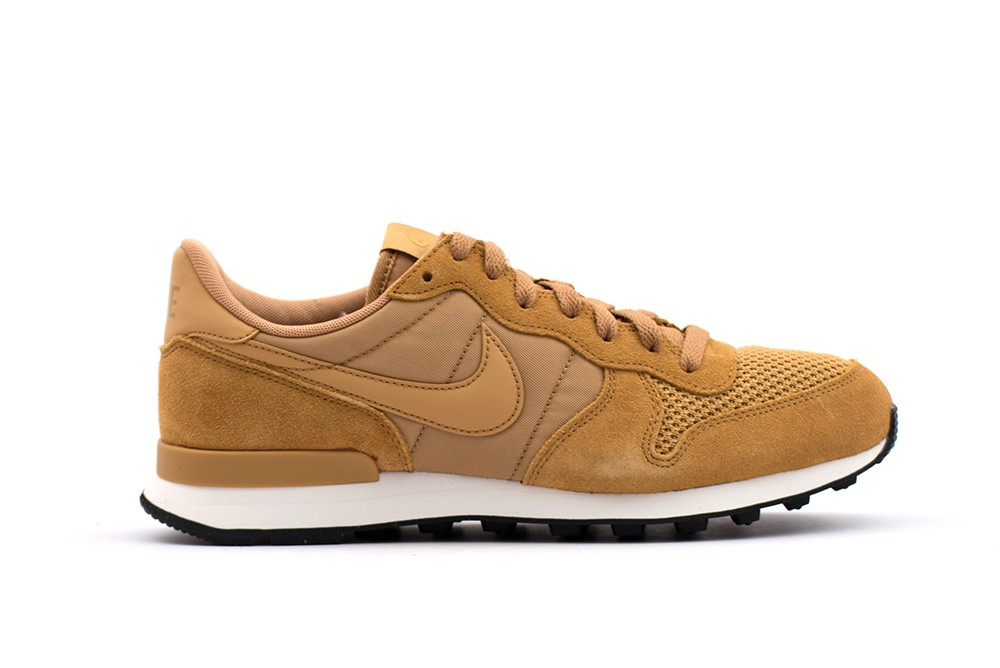 nike internationalist italy