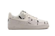 Baskets Nike Wmns Air Force 1 07 Lx 898889 007 Brutalzapas