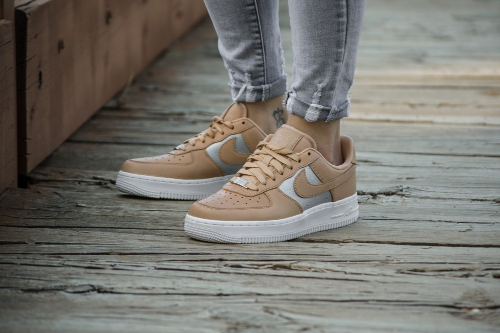 NIKE W AIR FORCE 1 07 SE PRM