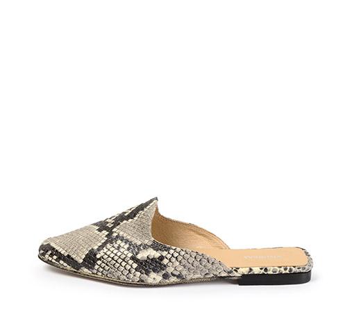 Ref. 3308 Zapato tipo babucha serpiente beige.