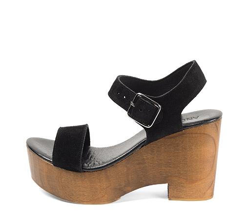 Ref. 3488 Sandalia serraje negro con pulsera al tobillo. Plataforma de madera de 10 cm y plataforma delantera de 4 cm.