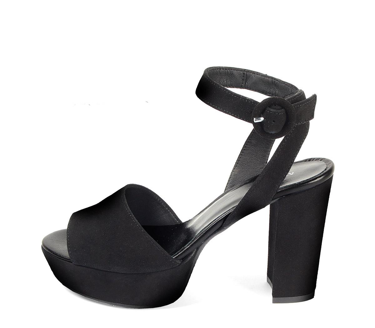 Ref: 3848 Sandalia ante negro con pala lisa y pulsera al tobillo con hebilla forrada al tono. Altura tacón 10.5 cm y plataforma delantera de 3.5 cm
