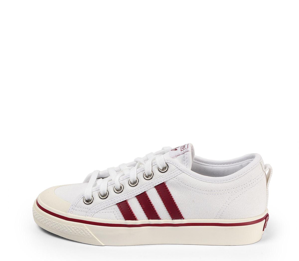 Ref. 3880 Adidas Nizza en tela blanca con detalles en burdeos. Cordones al tono.