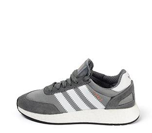 Ref. 3901 Adidas I-5923 combinado serraje y tela gris con detalles en blanco. Suela blanca. Cordones al tono con punta metálica.