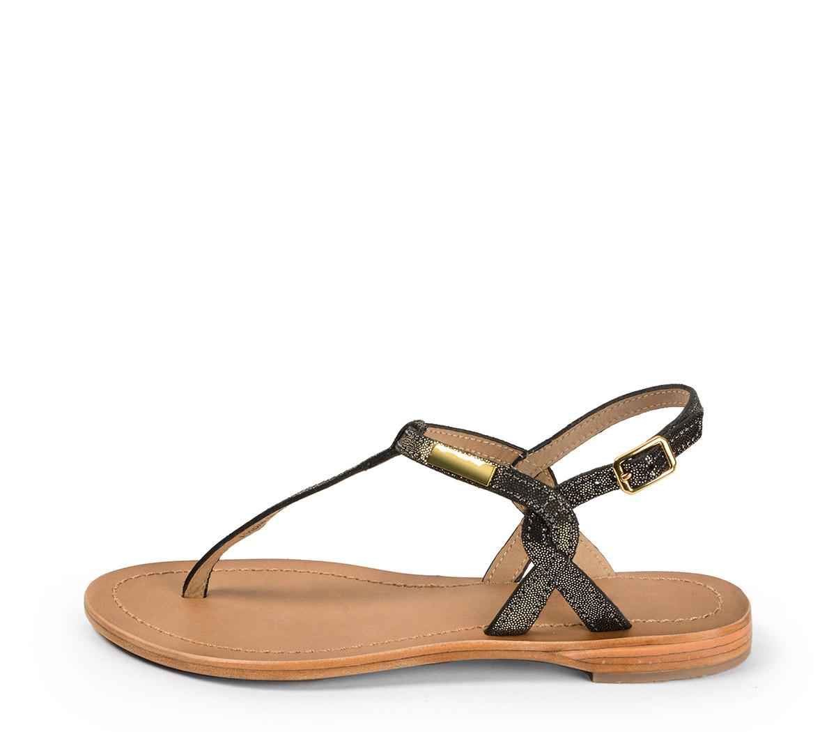 Ref. 3987 Sandalia piel plomo con tira en el empeine y hebilla lateral dorada. Plantilla de piel.