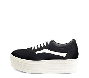 Ref. 4024 Sneaker serraje negro con detalle en piel blanca. Plataforma blanca de 5 cm.