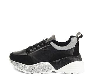 Ref. 4030 Sneaker piel negra combinada con serraje negro. Cordones negros. Suela combinada en negro y blanco con altura trasera de 6 cm. - Ítem1