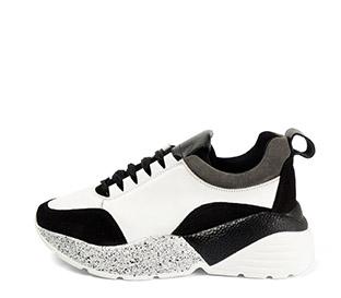 Ref. 4031 Sneaker piel blanca combinada con serraje negro. Cordones negros. Suela combinada en negro y blanco con altura trasera de 6 cm. - Ítem1