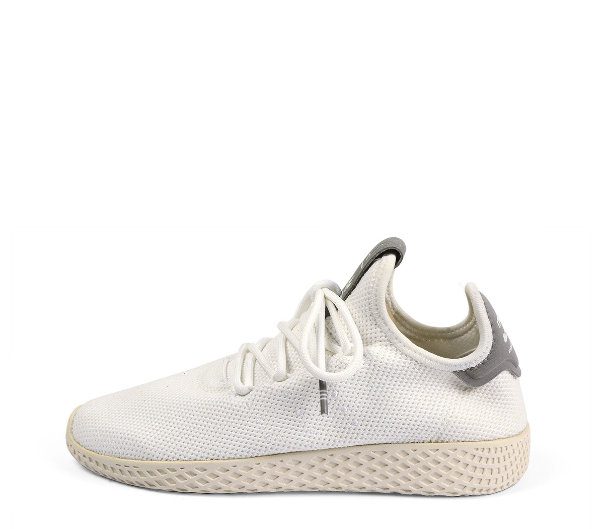 Ref. 4118 Adidas PW-TENNIS tela blanca. Cordones al tono. Suela blanca.