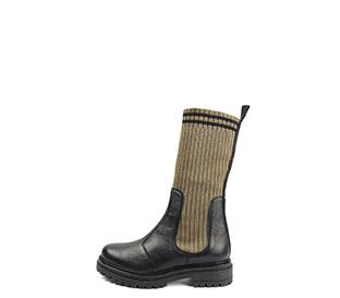 Ref. 4126 Bota piel negra con caña tipo calcetín en kaki. Suela dentada. Tacón de 4 cm y plataforma delantera de 2.5 cm.