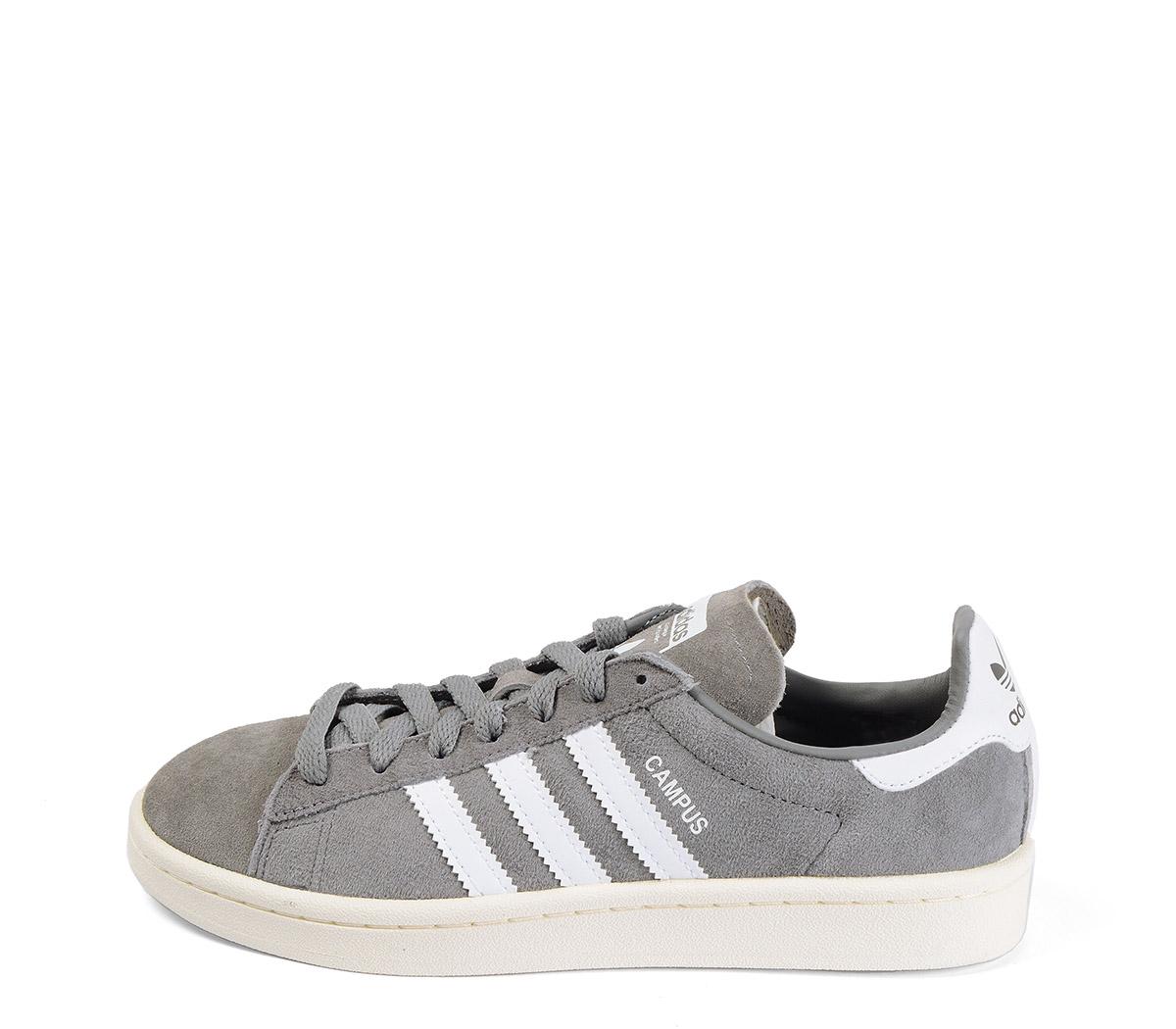 Ref. 4137 Adidas Campus serraje gris con detalle simbolo en piel blanca. Cordones grises.