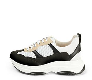 Ref. 4350 Sneaker serraje negra y beige combinado con tela blanca y piel negra. Altura plataforma trasera 5 cm y plataforma delantera 3 cm.