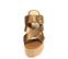Ref. 4419 Sandalia bronce con pala cruzada y tira con hebilla dorada. Plataforma de saco. Altura tacón 9 cm y plataforma delantera 5 cm. - Ítem2
