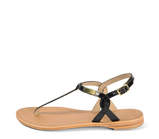 Ref. 4428 Sandalia piel negra con grabado coco. Tira y pulsera al talón con hebilla dorada. Plantilla de piel.