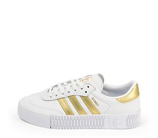 Ref. 4475 Adidas Sambarose piel blanca con detalles en piel oro. Altura plataforma 3 cm. Cordones blancos.