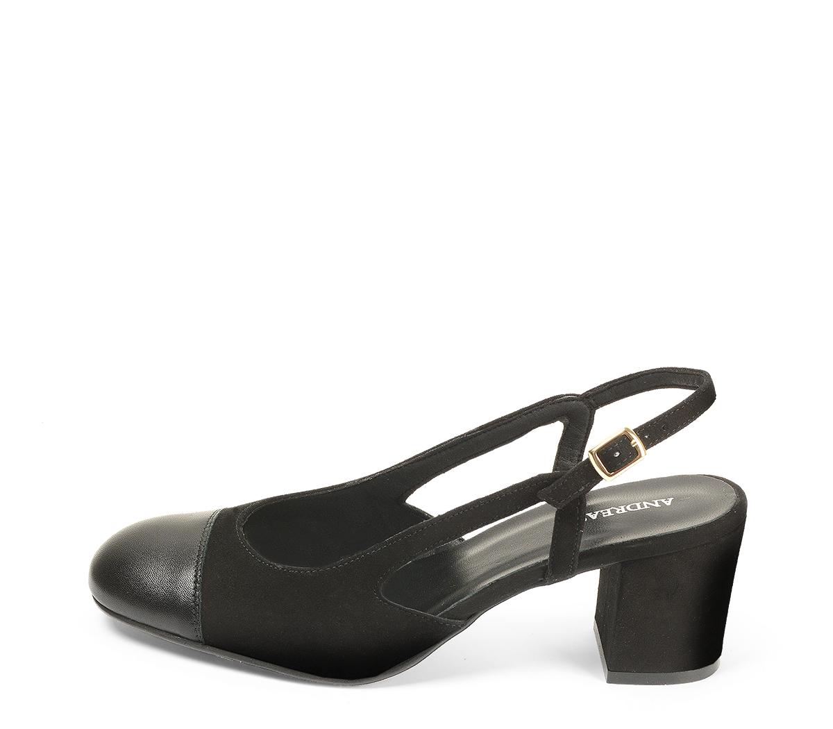 Ref. 4544 Zapato combinado en ante negro y puntera en piel negra. Destalonada con pulsera y hebilla dorada. Altura tacón 6.5 cm y sin plataforma delantera.
