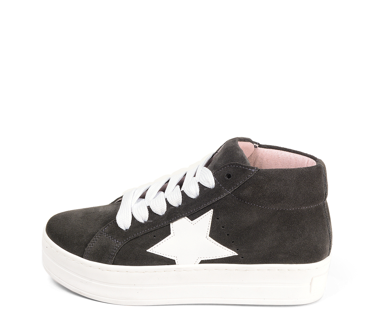 Ref. 4572 Sneaker abotinada serraje gris. Cordones blancos. Detalles lateral en piel blanca. Plataforma blanca de 4 cm. Altura de caña 8 cm.