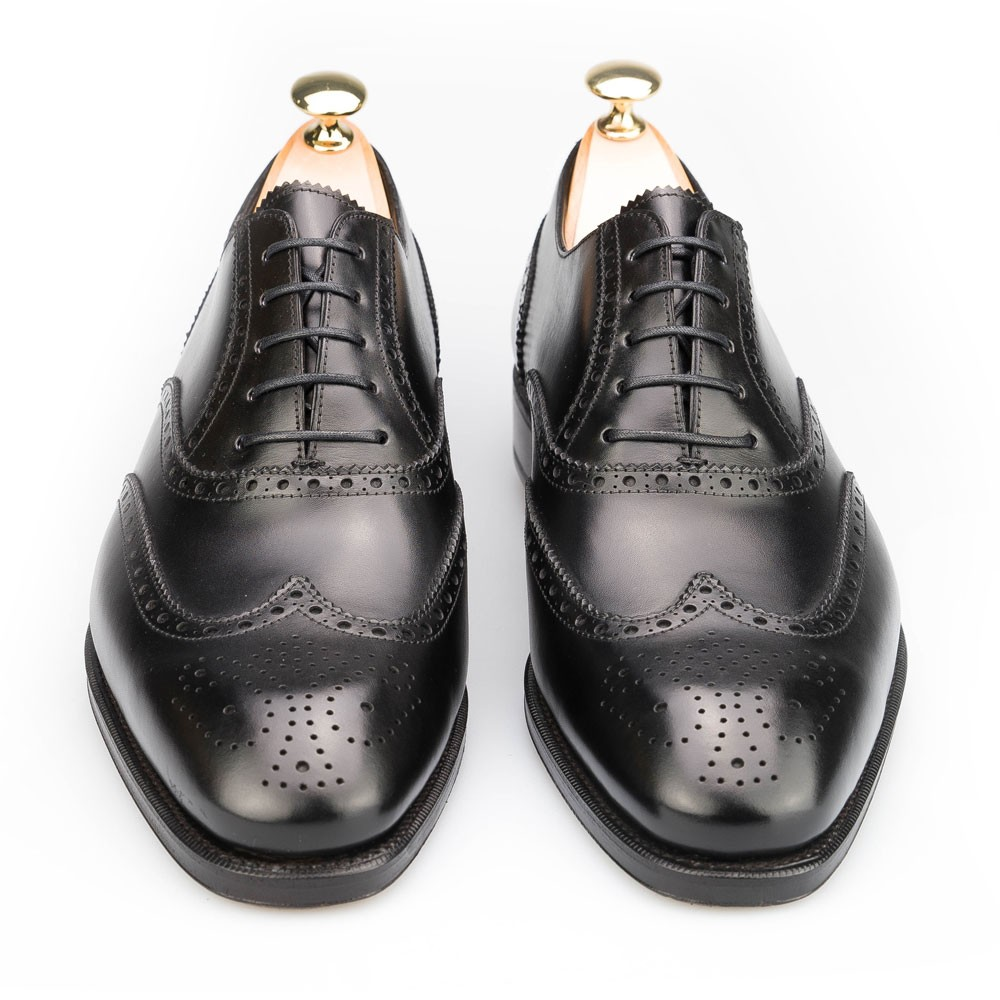 WINGTIP DRESS OXFORDS IN BLACK CALF CARMINA