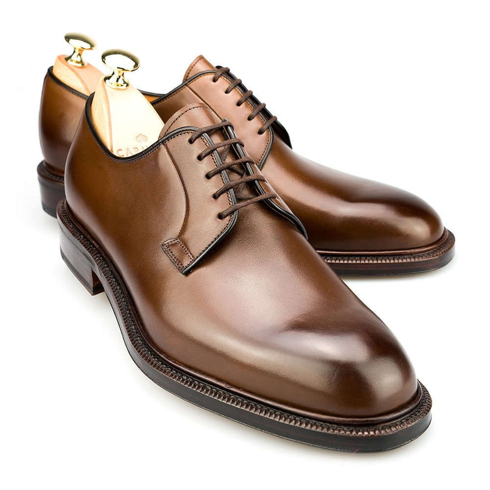 Derby. The great financial expert André Kostolányi was a devotee of derby shoes. He wasn't alone. Legions of derby fans make this comfortable and elegant model one of Europe's most beloved shoes.