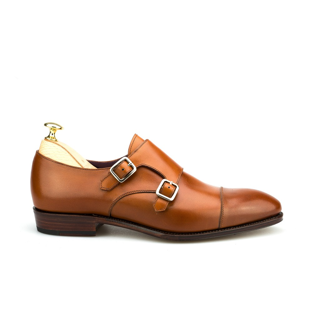 Monk strap shoes in tanned vegano