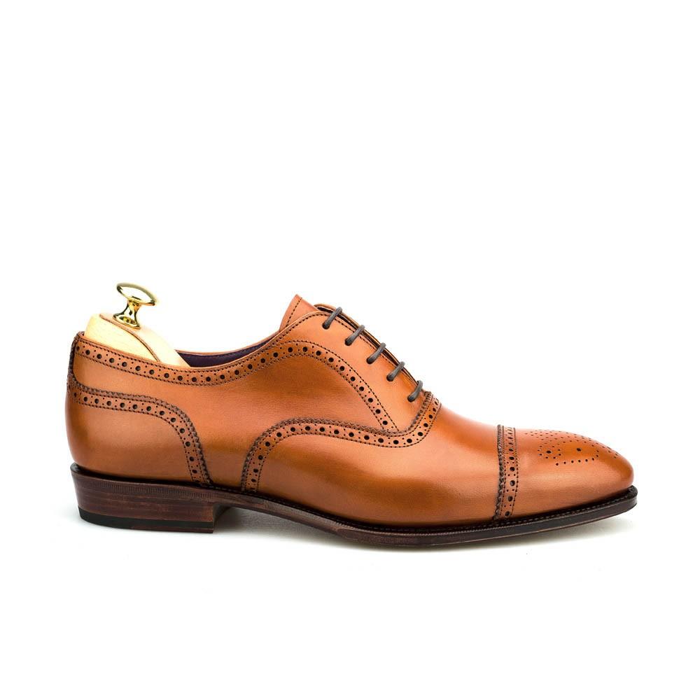 zapato inglés con puntera trapada