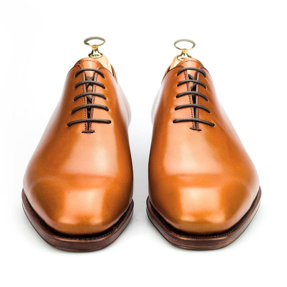 zapato enterizo en cuero