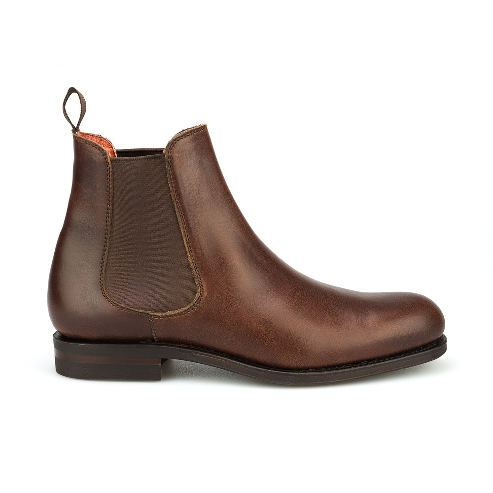 Men's Chelsea boots are a smart purchase for every man, a timeless shoe style which is a must-have in every man's wardrobe. These boots had a big comeback in the recent years due to its classic shape and ideal combinability.