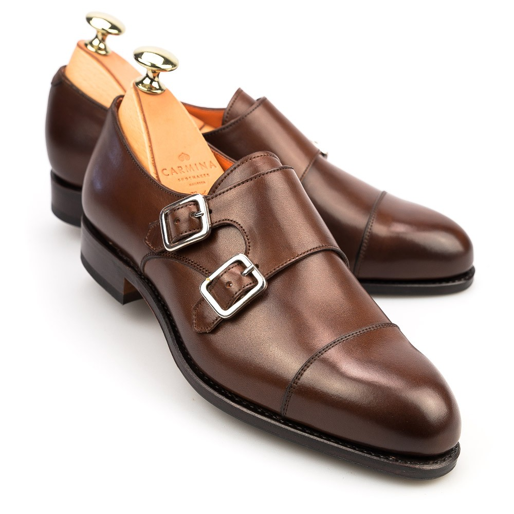 Double monk strap shoes for men have two straps running across them. This seemingly insignificant style detailing makes it stand out from the other styles of dress shoes, and makes them statement footwear in their own right.